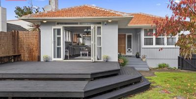 Photo for Family Home on Mahoe s situated 5 minutes out of the CBD with full Kitchen