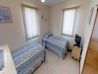 Photo for 4 bedroom accommodation in Peahala Park