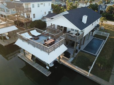 Heated Private Pool, Free GolfCart, Kayaks & Paddleboards-Canal Home w/Boat Lift
