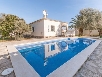 Photo for Fantastic villa with big garden and large private swimming pool in L'Escala