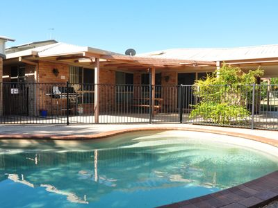 Photo for 4 Coora Court - Lowset family home with detached flat, outdoor entertaining area and swimming pool