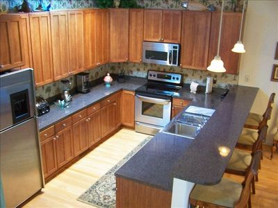 Fully Appointed Gourmet Kitchen w/Breakfast Bar