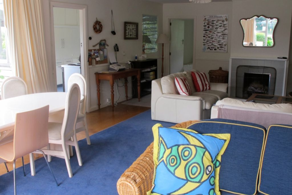 Large comfortable bach right on West Bay
