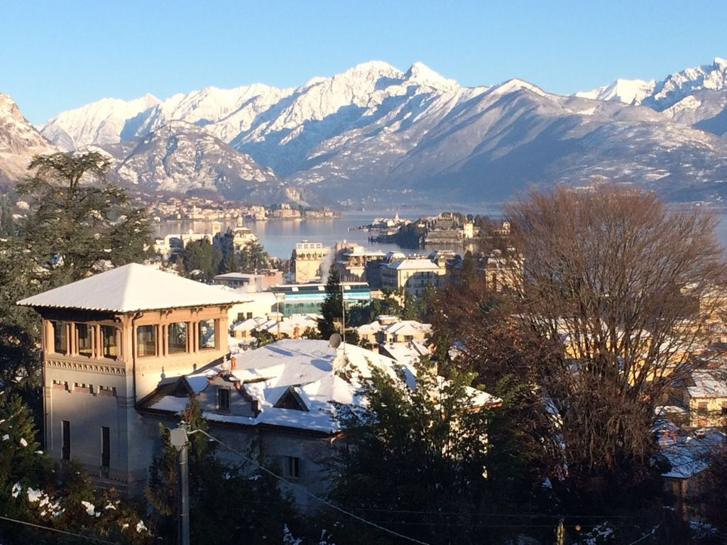 Apartment centre stresa large terrace sweeping view of for Stresa lake maggiore