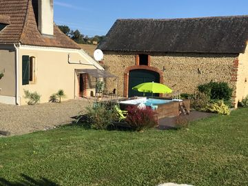 Beautiful Gite for '2' with Pool, in South West France