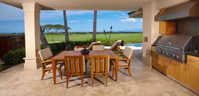 Lanai dining and BBQ area
