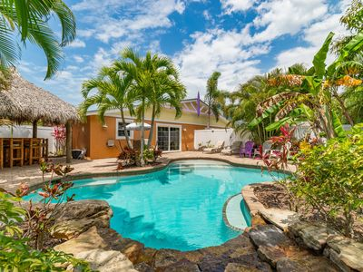 Chiki Tiki W:Awesome Tropical Tiki Bar, Private Heated Pool, 4 Min Walk to Beach