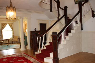 The view from the staircase to the parlor.