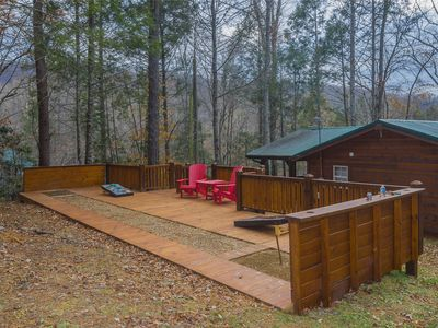 Photo for Holiday Getaway in a 2 Bed Cabin - Creekside, Secluded, Fire Pit, Hot Tub