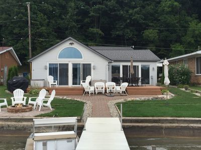 4 BR, 2 Bath with A/C Water Gets Gradually Deeper 9' by sea wall 4'3 end of dock