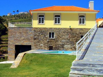 House in the Douro with pool