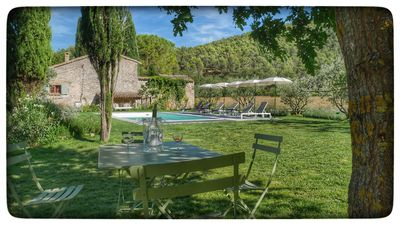 Photo for Authentic farmhouse in the Luberon, Provence, recently renovated, private pool