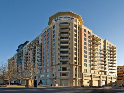 Photo for Wyndham National Harbor, 2 Bedroom Deluxe Condo, Free WiFi