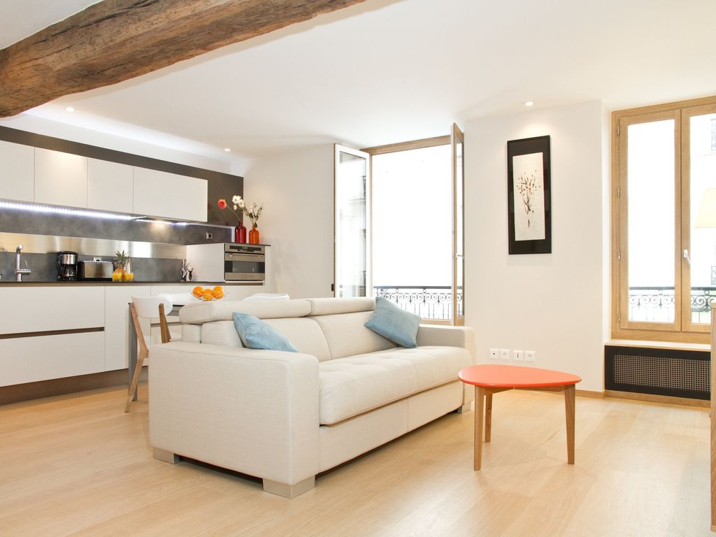 In the heart of st germain des pr s beau vrbo for Beau jardin apartments reviews