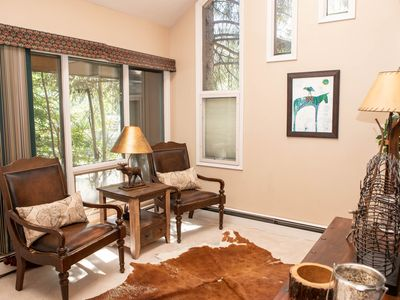 Photo for Gorgeous Townhome, Private Lower Level with Full Kitchen and Patio