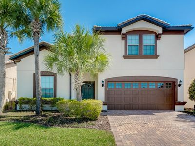 Photo for 8BR Villa Vacation Rental in Kissimmee, Fl