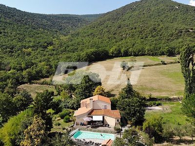 Photo for Beautiful 4*villa with private heated pool in natural setting, huge garden.