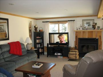 4 BR + Sleeping Loft Condo on the Top of Snowshoe Mtn.