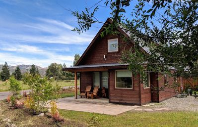 Photo for Little Bear Cabin-Close to Winthrop's Downtown and Ski Trailhead!
