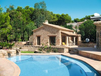 Photo for One bedroom Villa, sleeps 4 with Pool, Air Con, WiFi and Walk to Beach & Shops