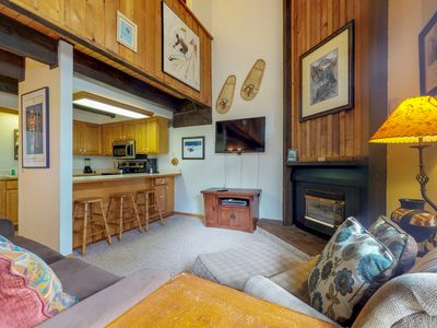 Photo for Serene, ski-in/out condo w/shared hot tub-access to lifts