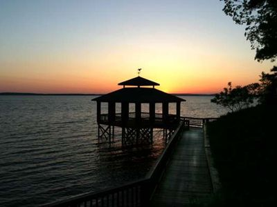Photo for Greaet Family Vacation*Pool*golfing*Beautiful Sunsets*Great View Of Toledo Bend