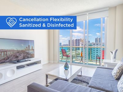 Photo for Spacious penthouse just steps away from the beach | WIFI