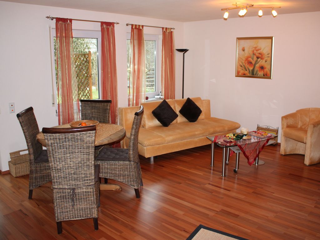 Non smoking apartment with 2 large wooden terrace and garden, few ...