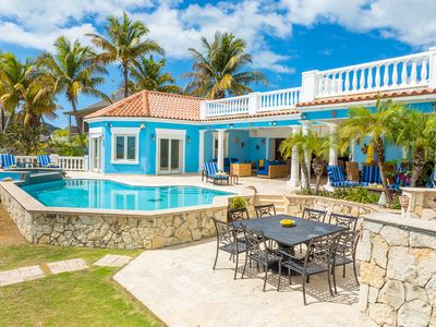 Tropical Paradise Villa with direct beach accesses in Jolly Harbour, Antigua