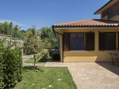 Photo for Stunning private villa for 6 guests with WIFI, TV, balcony and parking