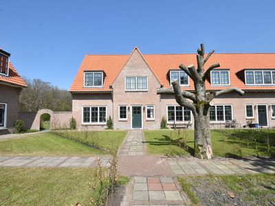 Photo for Beautiful family home at the edge of the dunes and near Castricum