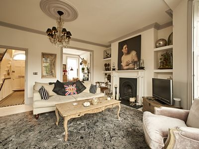 Photo for Central London 4 bed 18th Century Townhouse