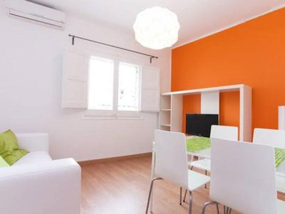 Photo for Refurbished flat close by the Park Güell