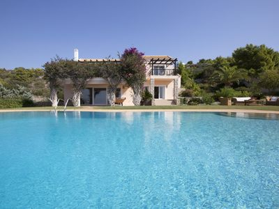 Photo for VILLA PORTO CHELI WITH ACCESS TO THE BEACH