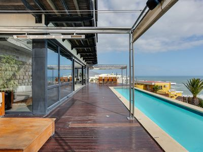 Photo for Luxurious Camps Bay apartment with 180' sea view