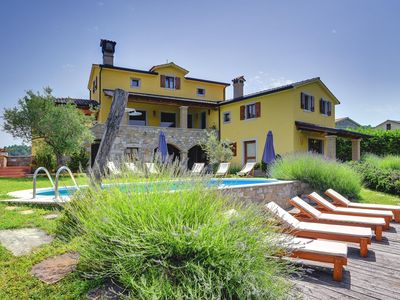 Photo for Traditional Istrian villa with private pool, WiFi, climate, trampoline in the heart of Istria