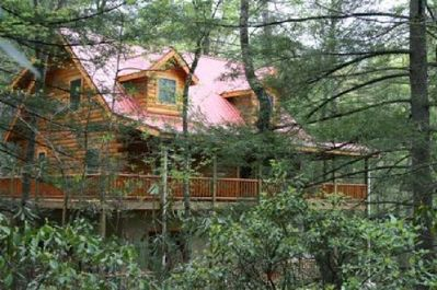 Redbird Retreat - secluded, with creek & waterfall