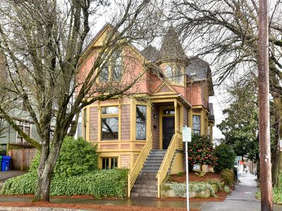 Photo for Beautiful Queen Ann Victorian. 5 Mins To Downtown!