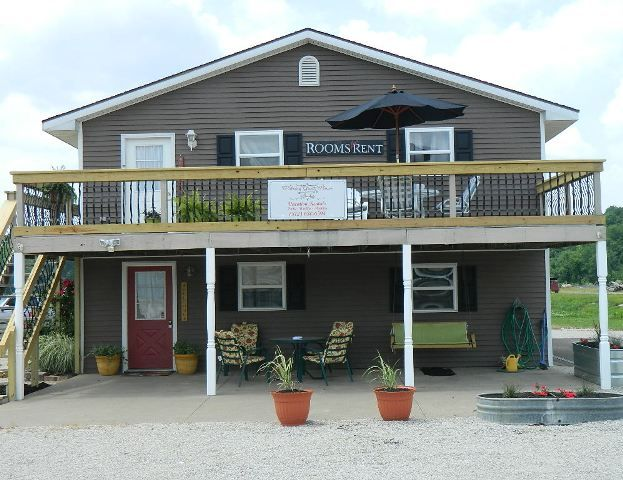 Holiday Guest House Suites Near World Splashin Safar Sleeps 14