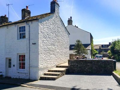 Photo for KATIE'S COTTAGE, romantic, with open fire in Embsay, Ref 906506