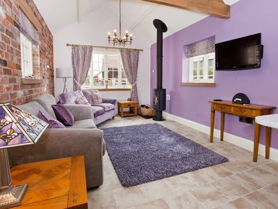 Photo for City Apartments - Cosy Cottage - A beautifully furnished 1 bedroom cottage
