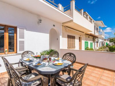 Photo for 4 bedroom Villa, sleeps 6 with Air Con, FREE WiFi and Walk to Shops