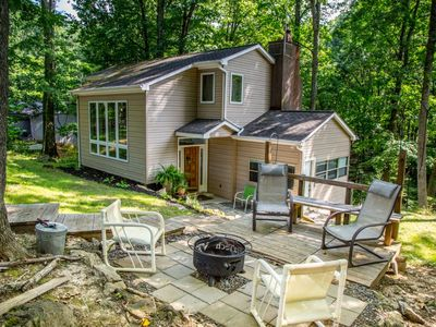 Unique Home with Access to Private Dock on Claytor Lake - Kaleidoscope