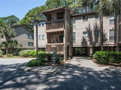 Photo for 6162 Moorings | 2 Minute Walk to Beach | Complex Pool | Daily Free Tennis | Palmetto Dunes
