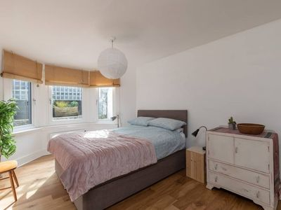Photo for 1 Bedroom Apartment in Camberwell