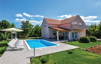 Photo for 4BR House Vacation Rental in Dugopolje