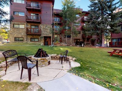 Photo for Ski-in/ski-out condo w/ fireplace & shared hot tub & grill- steps to lifts/town!