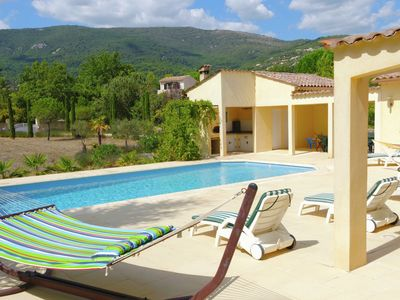 Photo for Spacious Provençal villa with heated private swimming pool and large garden, near Seillans
