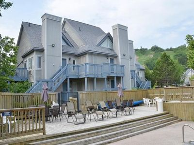 Photo for 2 Bedroom Mountain Spring Resort near Ski Club - 9614  Blue Mountain Lodges