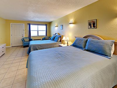 Photo for 123SB; 1BR Efficiency, 2 Queen Beds, Full Kitchen, 1 Block to Beach